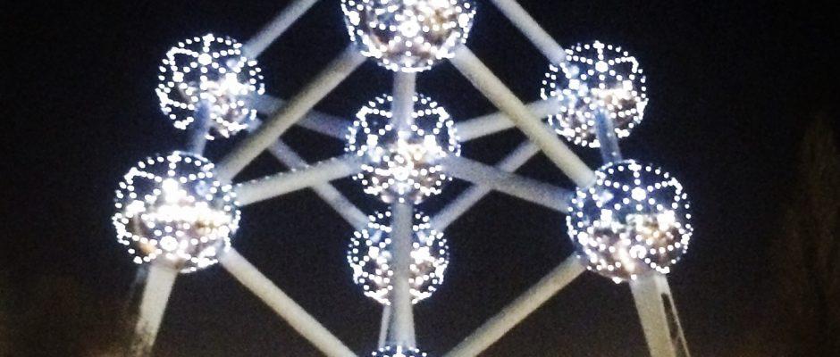 Het Atomium 's nachts, Brussel